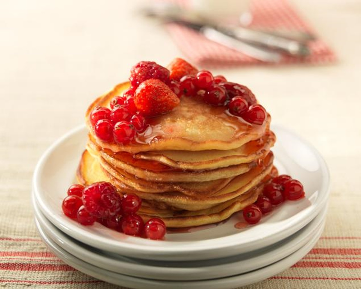 recipe image American Pancakes with Fruits & Honey