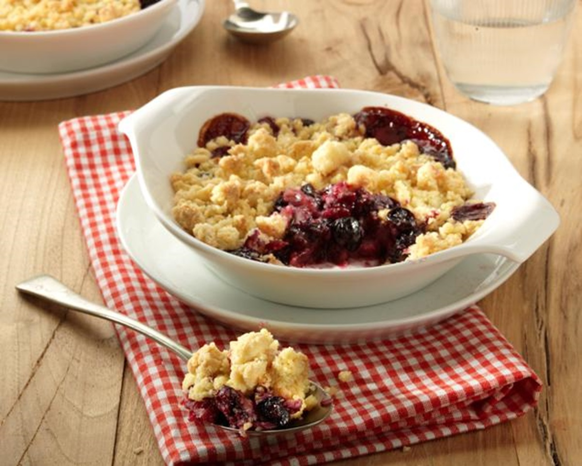 recipe image Blueberry & Apple Crumble with Honey