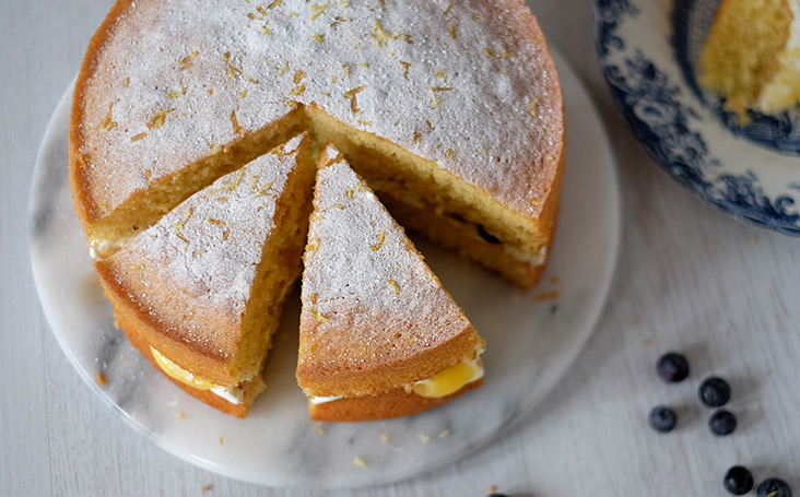 recipe image Lemon Victoria Sponge