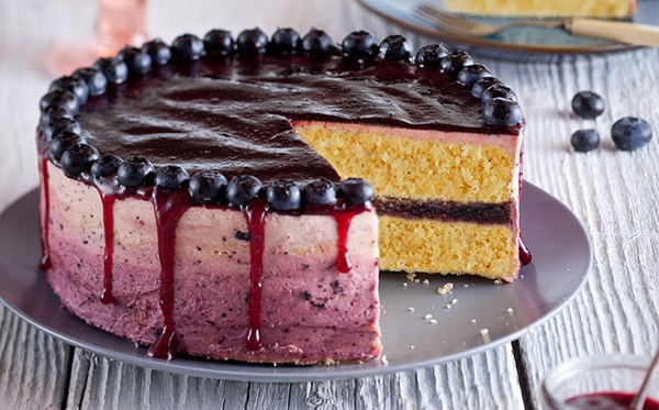 recipe image Ombre Berry Cake