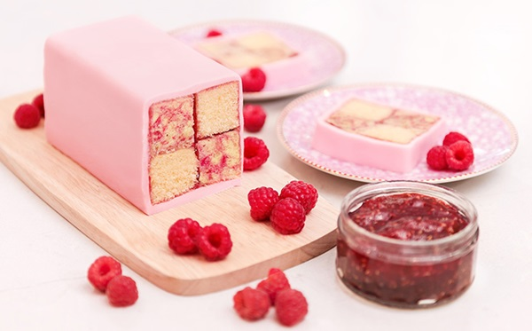 recipe image Raspberry Ripple Battenberg