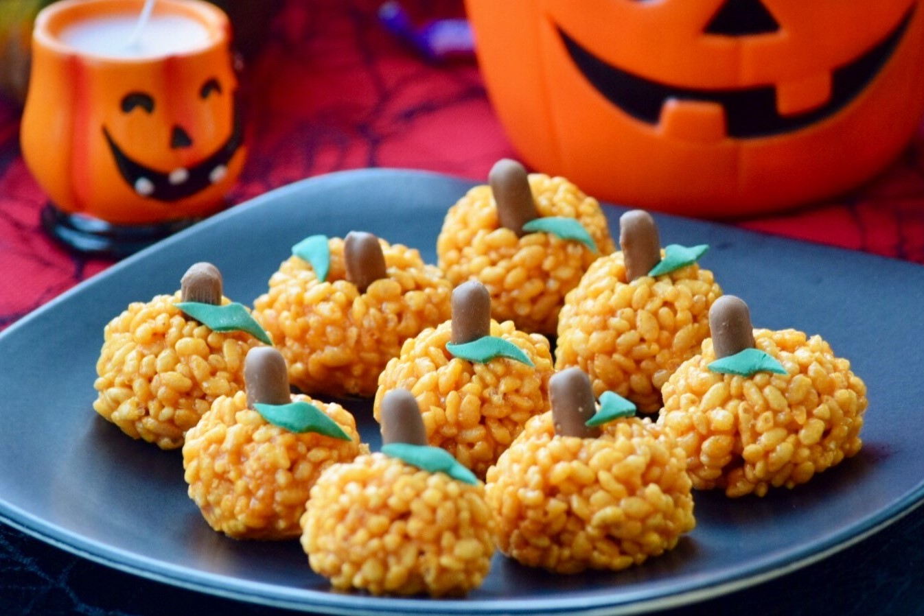 recipe image Halloween Pumpkin Toffee Crispies