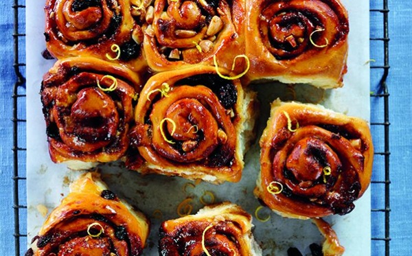 recipe image Easter Simnel Swirl Buns