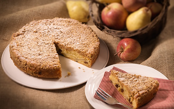 recipe image Apple And Pear Crumble Cake
