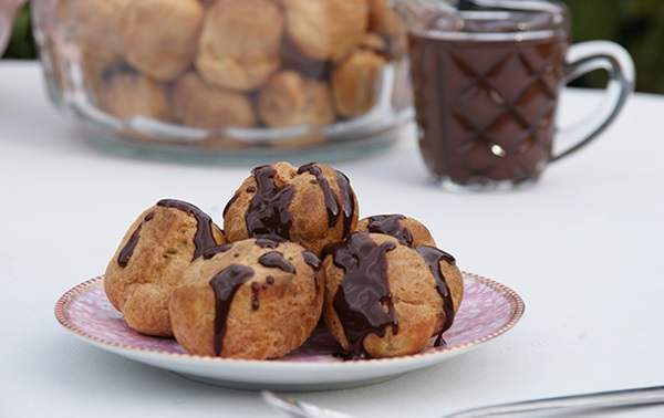 recipe image Choux Puffs with Mocha Sauce