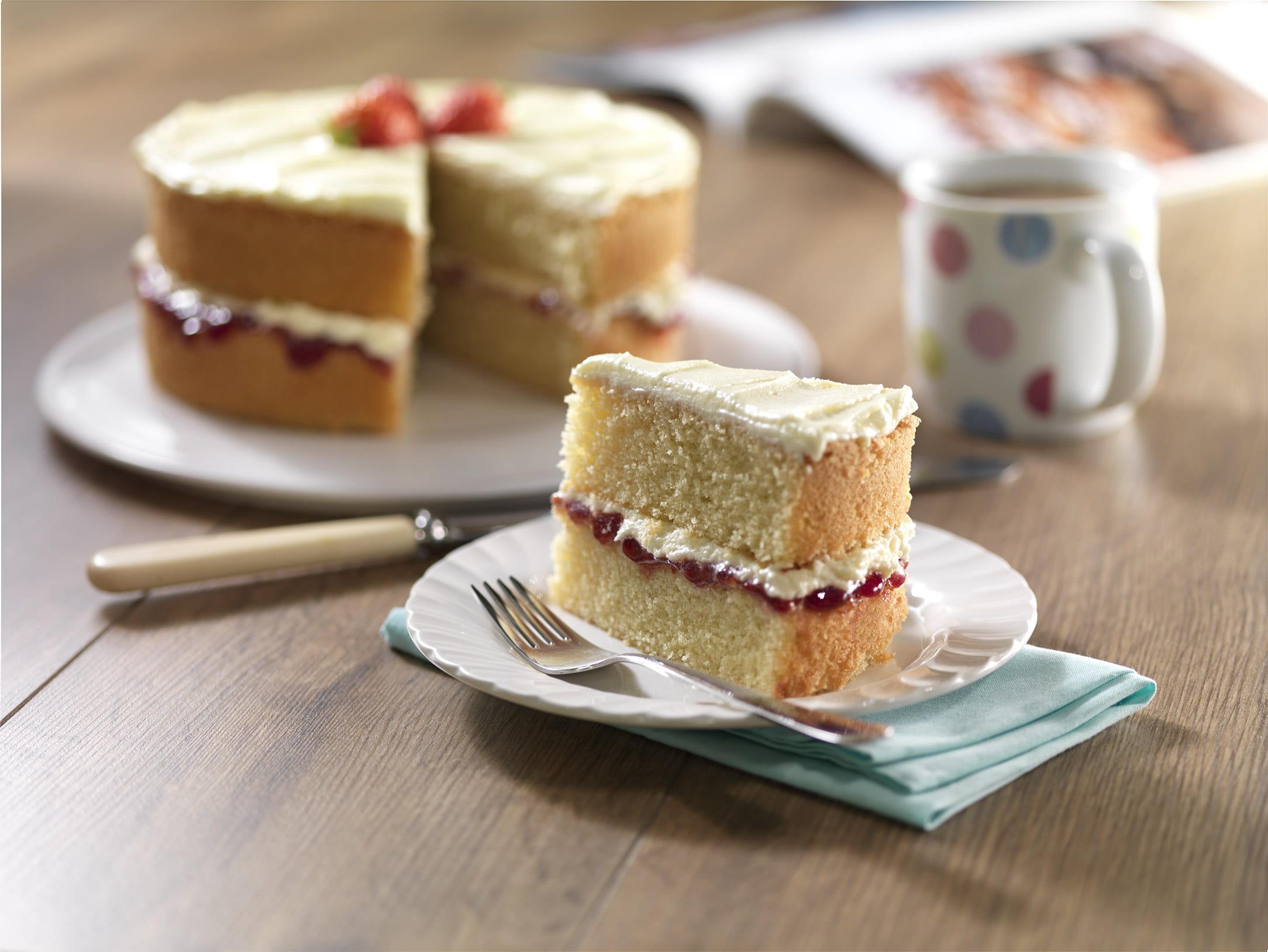 Wondrous Victoria Sponge Cake Personalised Birthday Cards Arneslily Jamesorg