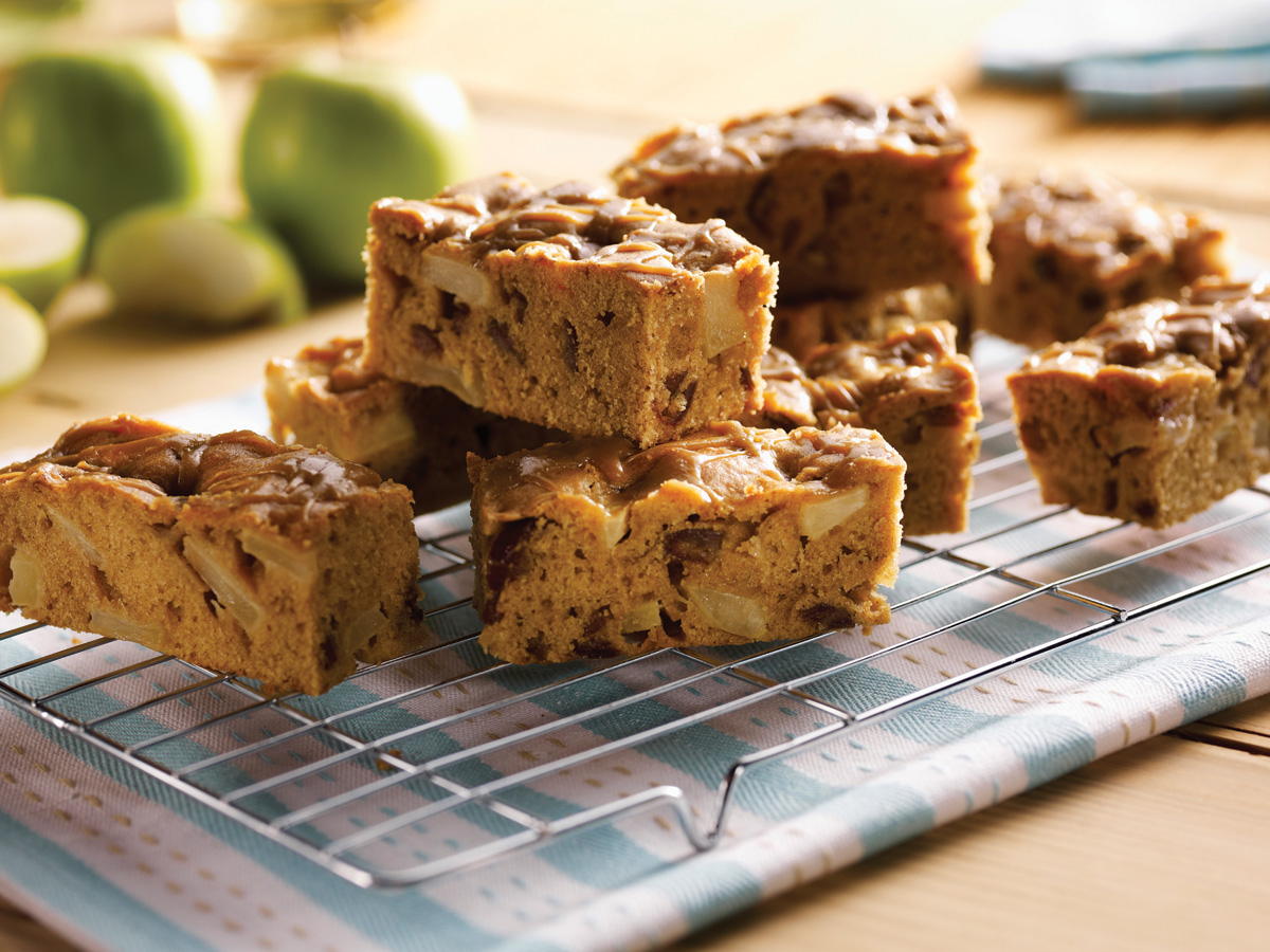 recipe image Toffee Apple Traybake