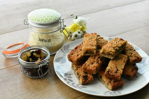 recipe image Coconut and Raisin Slices
