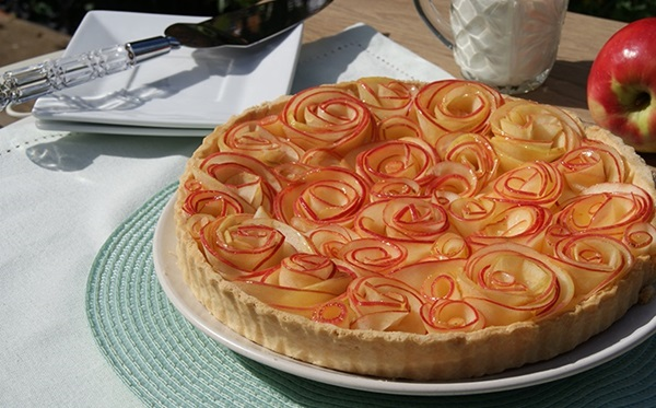 recipe image Custard Apple Tart (Roses)