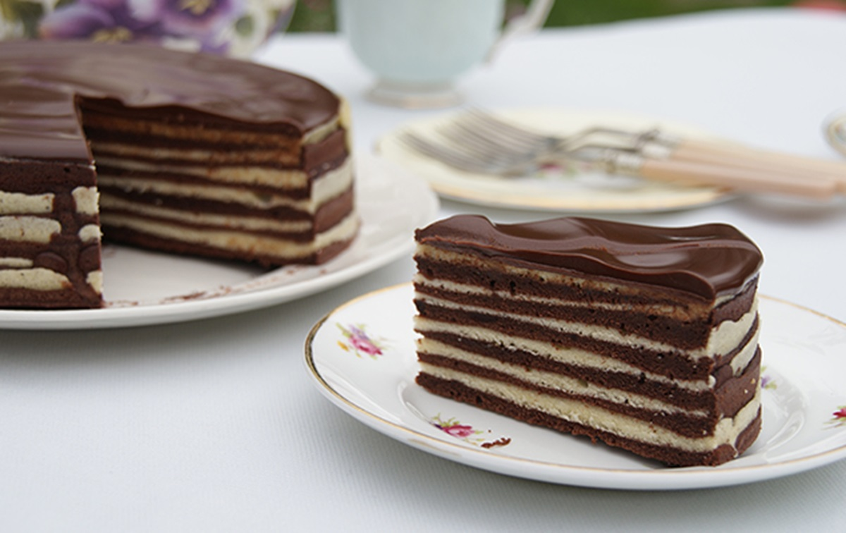 recipe image Chocolate Amaretto Schichttorte