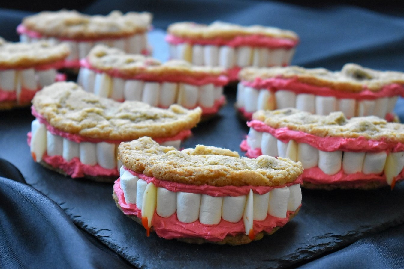 recipe image Halloween Dracula's Dentures Cookies